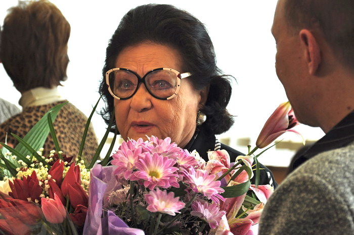 Virginia Zeani arriving in Romania May 2011
