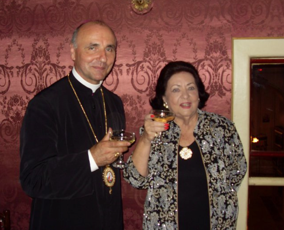 Virginia Zeani  in Romania May 2011 with Bishop Virgil Bercea
