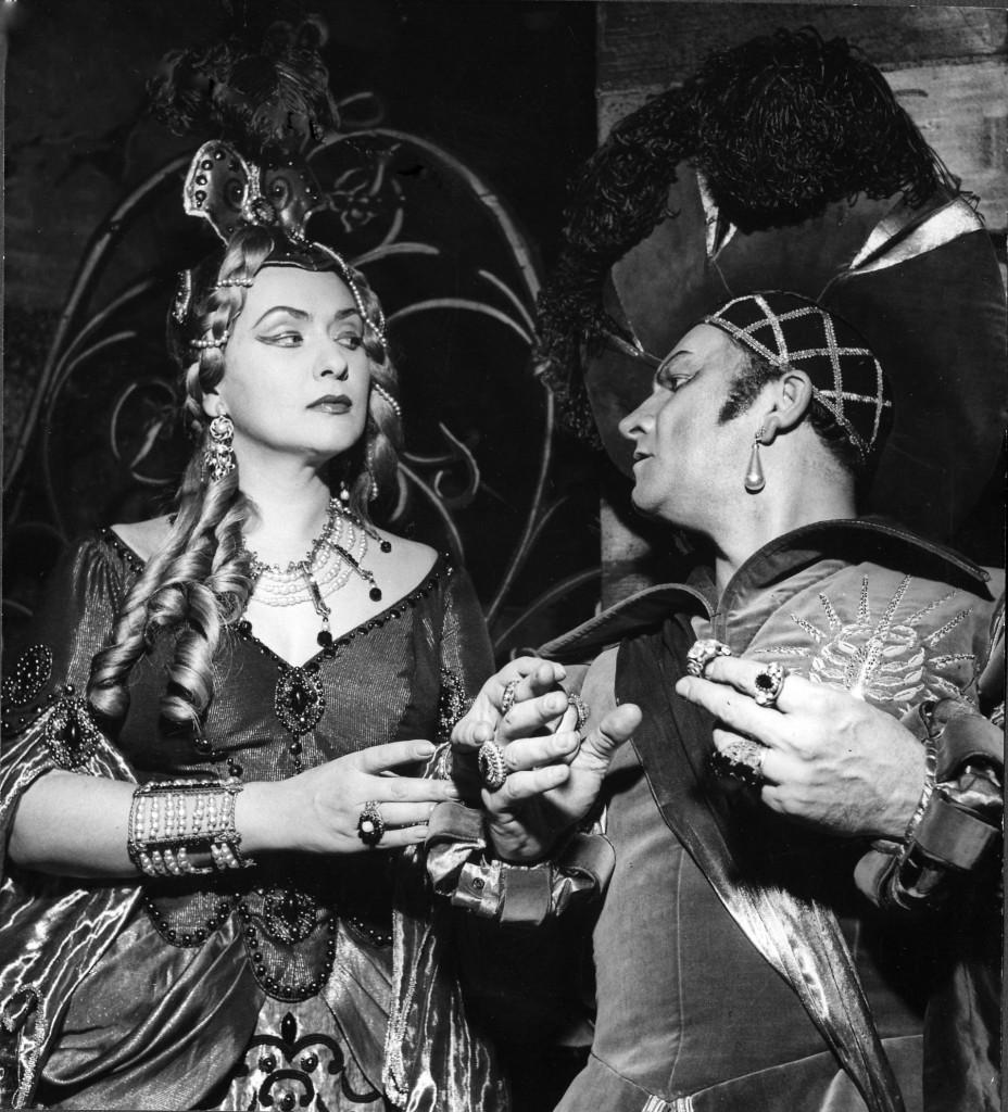 Giulietta in TheTales of Hoffmann with Nicola Rossi Lemeni