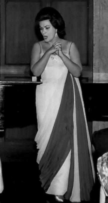 Virginia Zeani in concert